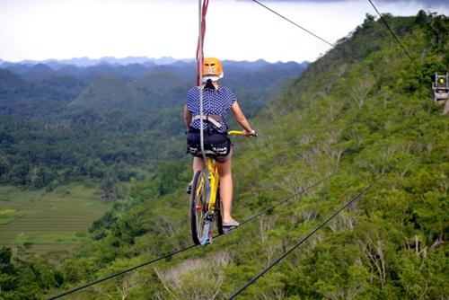 【菲律賓】 高空踩單車